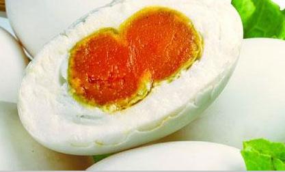 【听客】汪曾祺:端午的鸭蛋