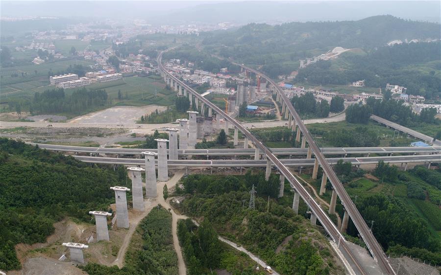 國家重點工程蒙華鐵路加緊施工