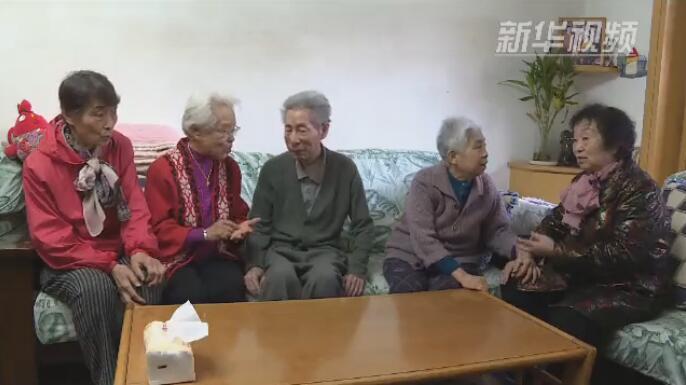 """太原三位奶奶成立""""嘮嗑隊"""""""