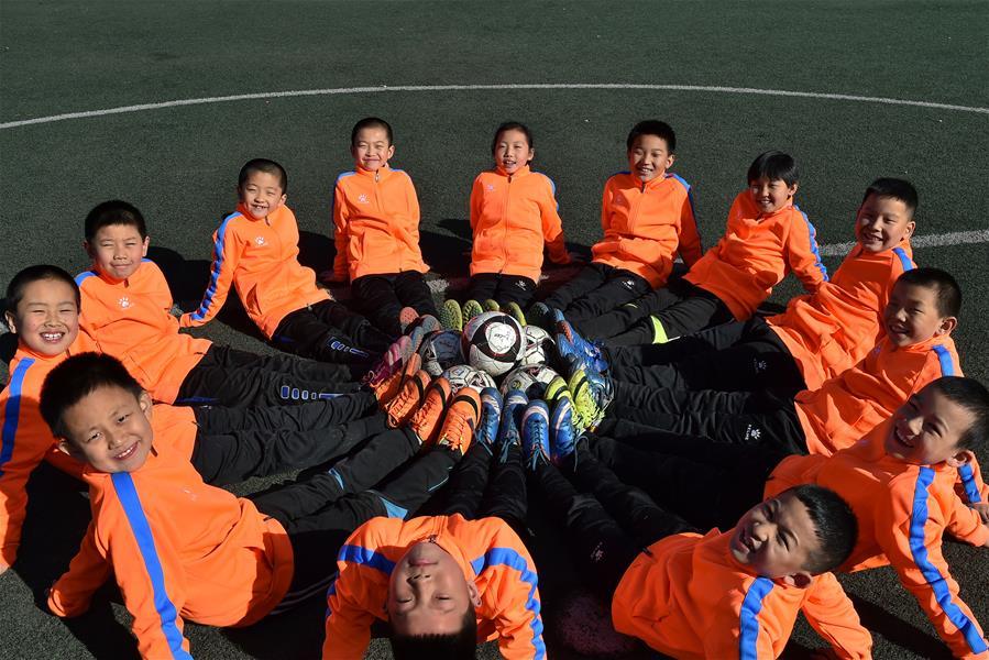 小城學生的足球夢:踢出一個未來
