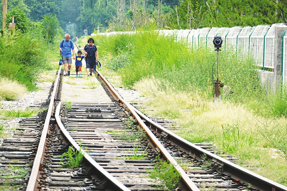 中北大学建起铁路主题公园