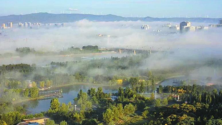 大同市区出现平流雾景观