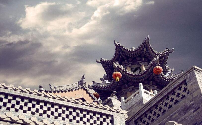 10月1日,太原陽曲縣青龍古鎮正式開業運營
