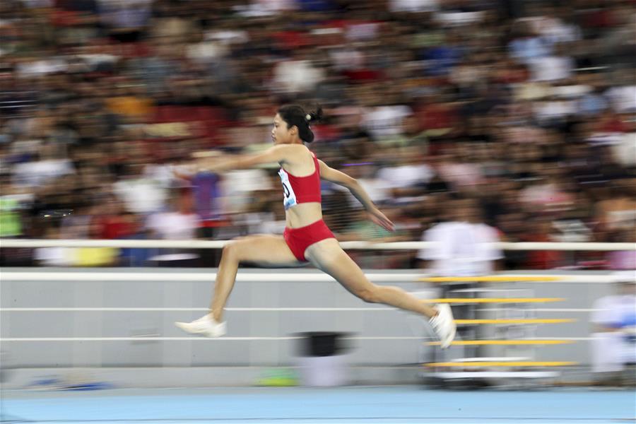 田徑——社會俱樂部組女子三級跳遠決賽:謝亞展奪冠