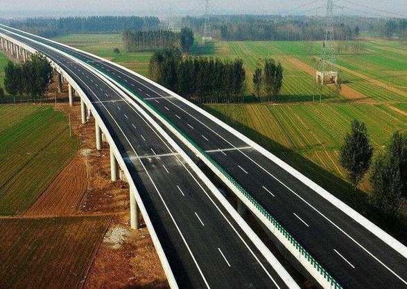 """山西45個高速公路服務區獲""""星"""""""