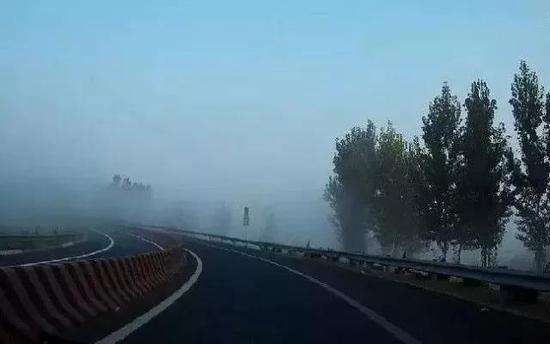 山西變更發布大霧黃色預警 或有能見度小于500米的霧
