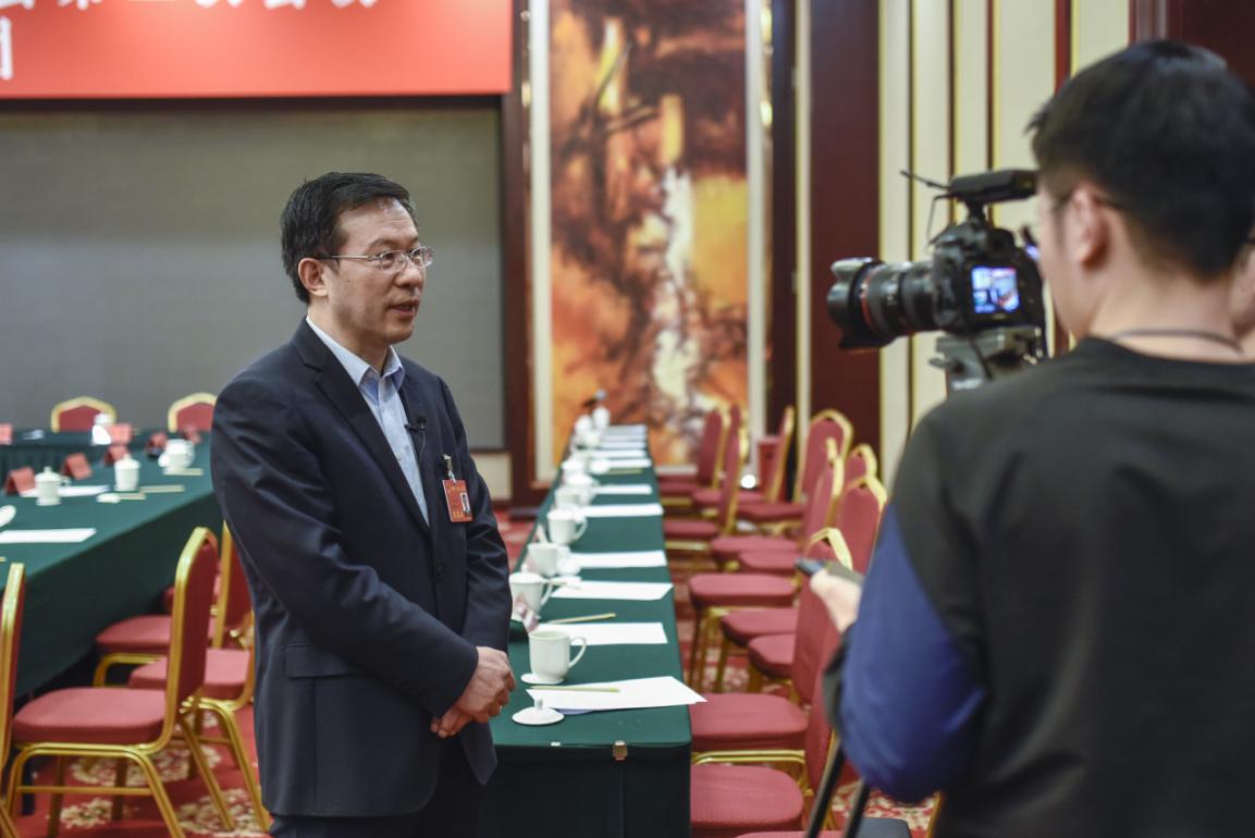 山西省委經濟工作會議、山西省政府工作報告明確提出,賦予臨汾省域副中心城市使命,這是從全省發展上更加重視臨汾的作用。