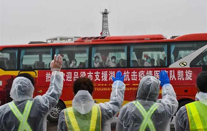山西省第四批支援湖北醫療隊300名隊員飛抵太原