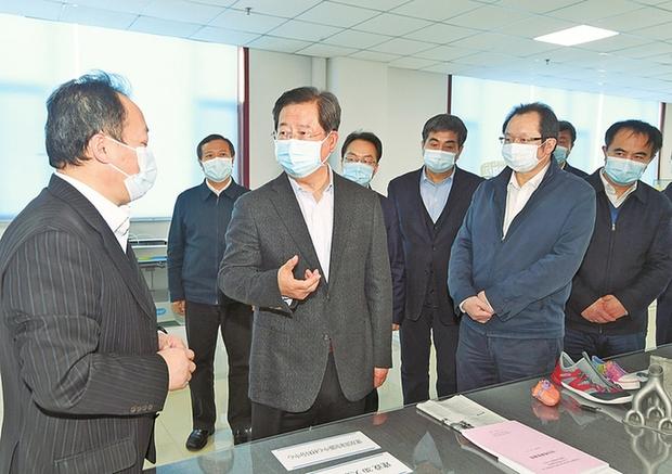 樓陽生調研新材料産業