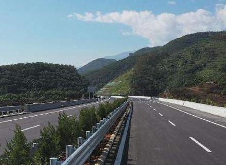 山西省高速公路服務區開展環境衛生整治