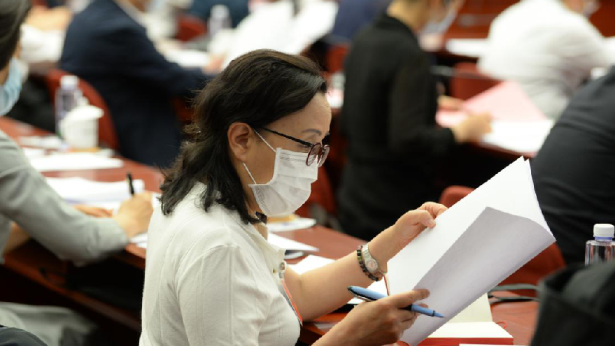 楊林花代表:大力普及公共衛生相關法律法規
