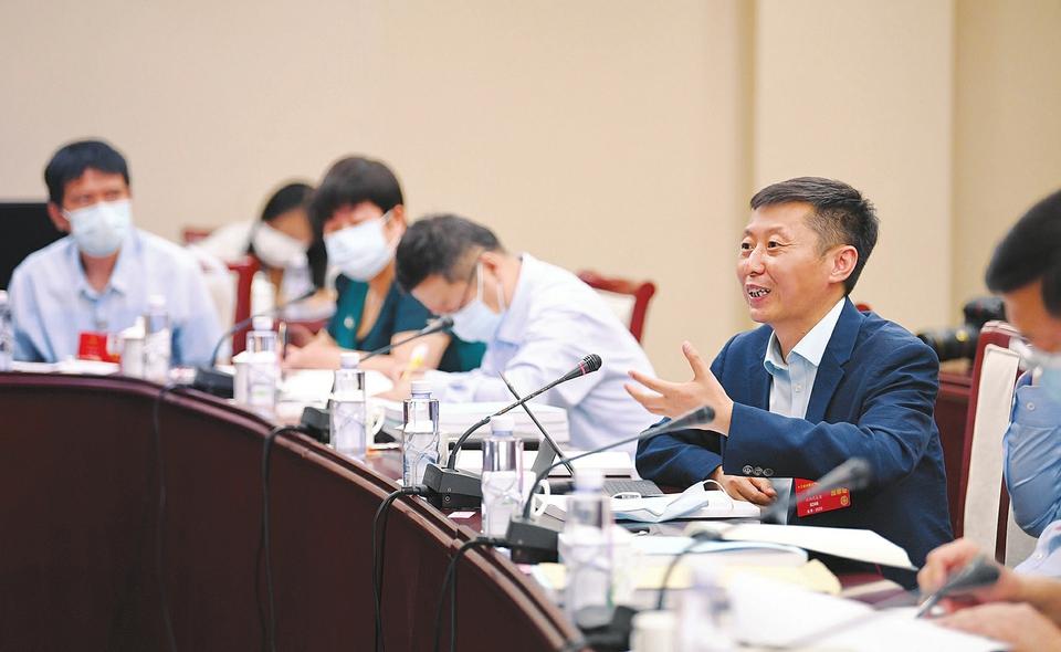 劉正代表:完善法律為國企改革提供更強保障