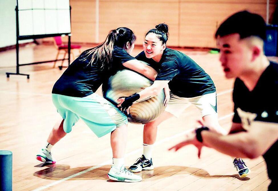 備戰奧運會 武桐桐入選國家女籃